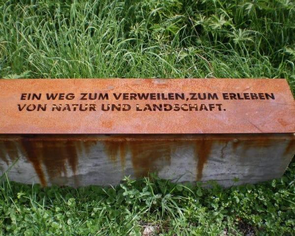 Kunstspaziergang auf dem Besinnungsweg Fellbach-Oeffingen. Foto © Welz