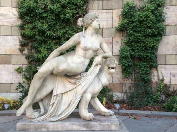 Staatsgalerie Stuttgart: Ariadne auf dem Panther von Dannecker - Foto © Welz