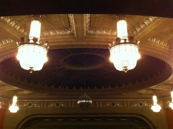 In Erwartung ... Opernhaus Stuttgart - Foto © Welz