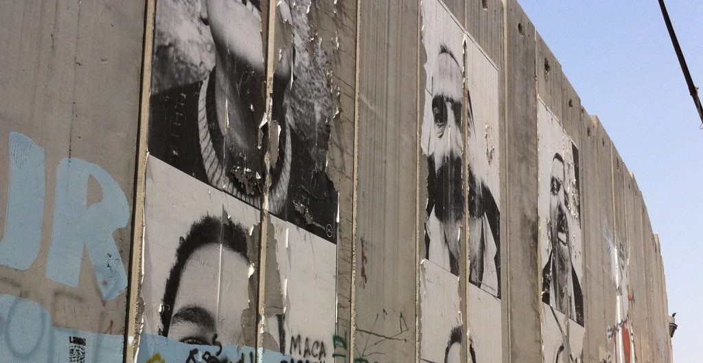 Fotos von JR - THE WALL (3) Bethlehem - September 2011 - Foto @ Welz