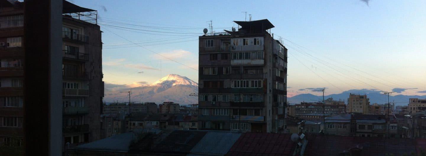 Armenien. Sonnenaufgang in Yerewan. Foto © Welz