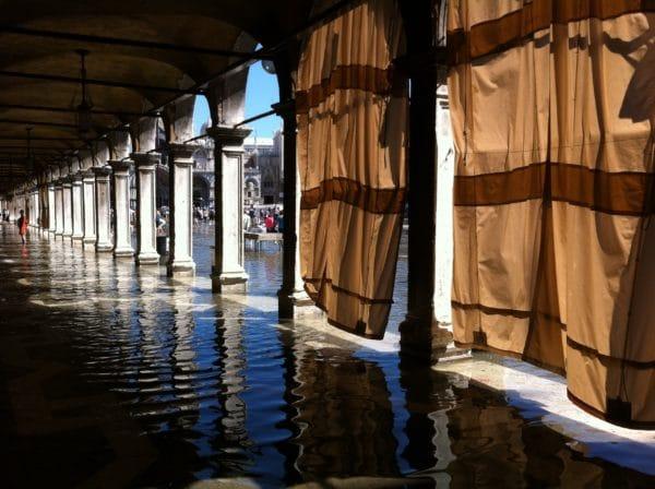 Hochwasser auf dem Markusplatz - Foto © Welz