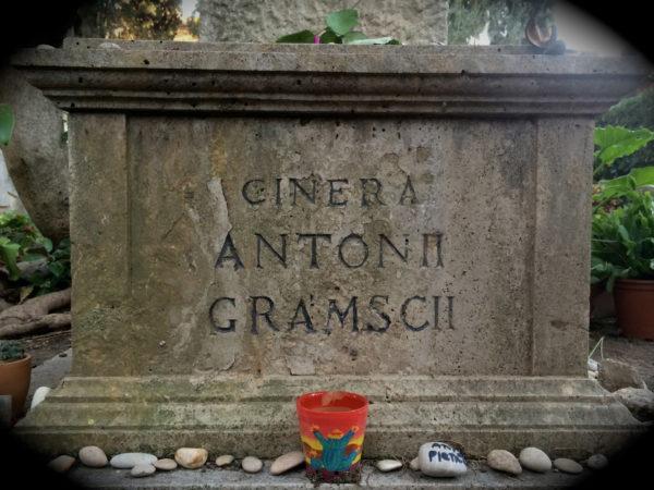 Gramsci's Asche auf dem Cimitero Acattolico in Rom - Foto © Welz - Oktober 2014
