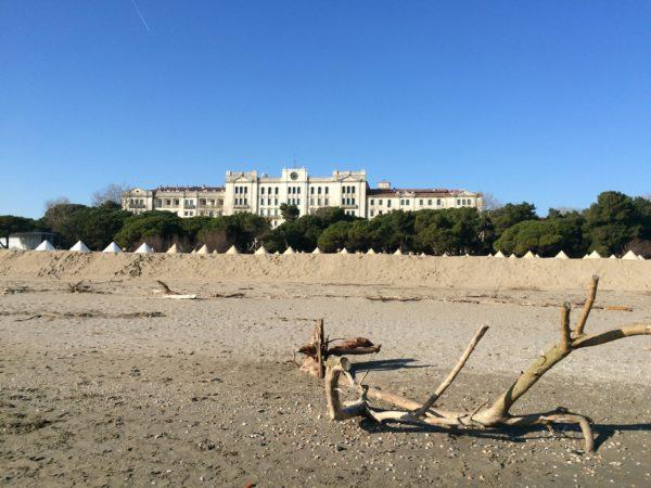 Das Hotel des Bains am Lido von Venedig ist geschlossen. Foto © Welz