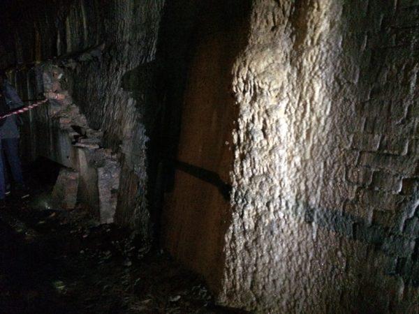 Tropfsteine im alten Rosensteintunnel - Foto © Welz