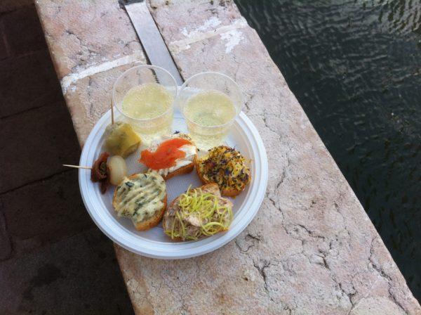 Venedig: Die besten Ciccetti gibt's am Rio San Trovaso. Foto © Welz