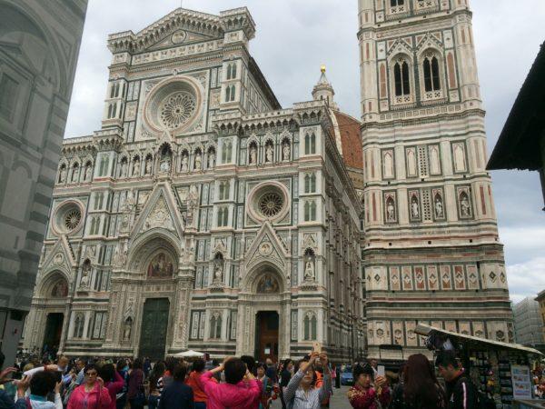 Florenz: Ein Selfie vor Dom und Campanile. Foto © Welz