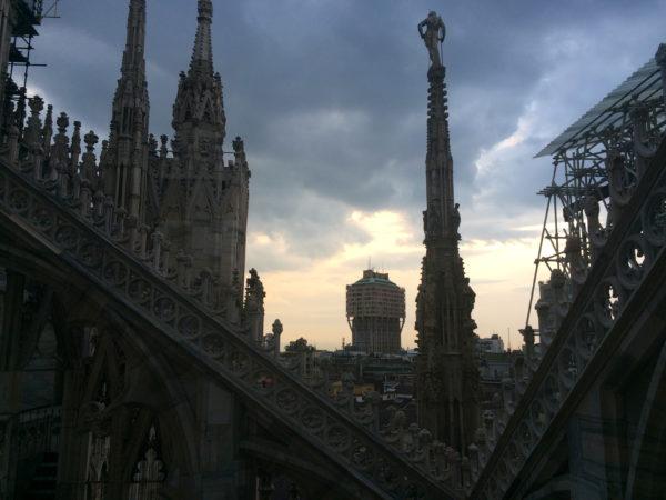 Blick vom Dom auf Mailand und das Hochhaus TORRE VELASCA, gebaut 1958. Foto © Welz