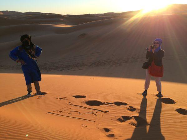 Marokko: Erg Chebbi - bald geht die Sonne unter. Foto © Welz