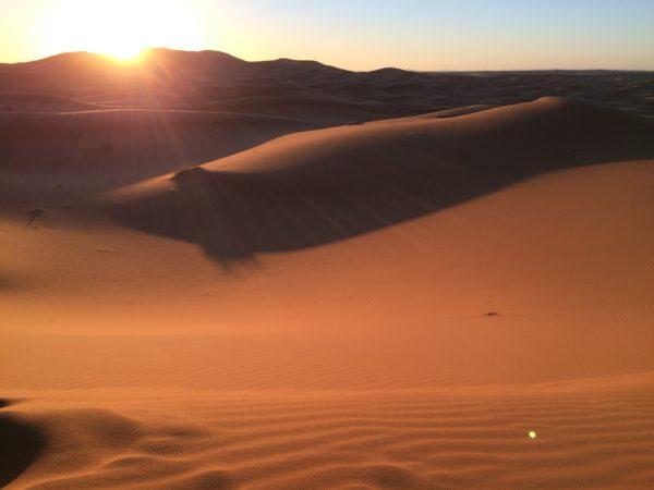 Marokko: Erg Chebbi. Die Farben der Wüste ändern sich ... Foto © Welz