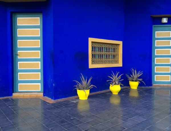 Majorelle Blau: Jacques Majorelle strich alles in seinem Garten mit blauer Farbe an. Foto © Welz
