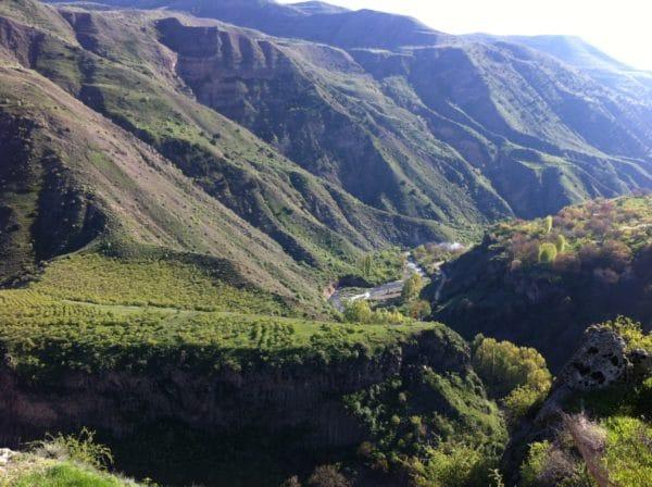 Wanderung druch die Azat-Schlucht in Armenien - Foto © Welz