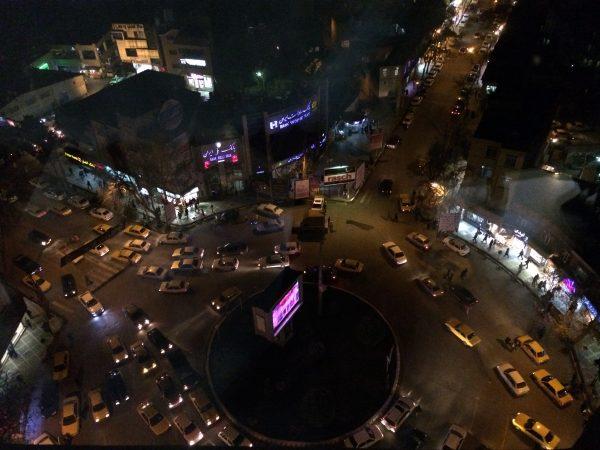 Kermanshah: Abendessen im 11. Stock. Foto © Welz
