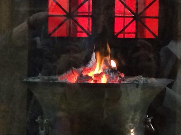 Iran: Feuer im zoroastrischen Feuertempel in Yazd. Foto © Welz (2016)