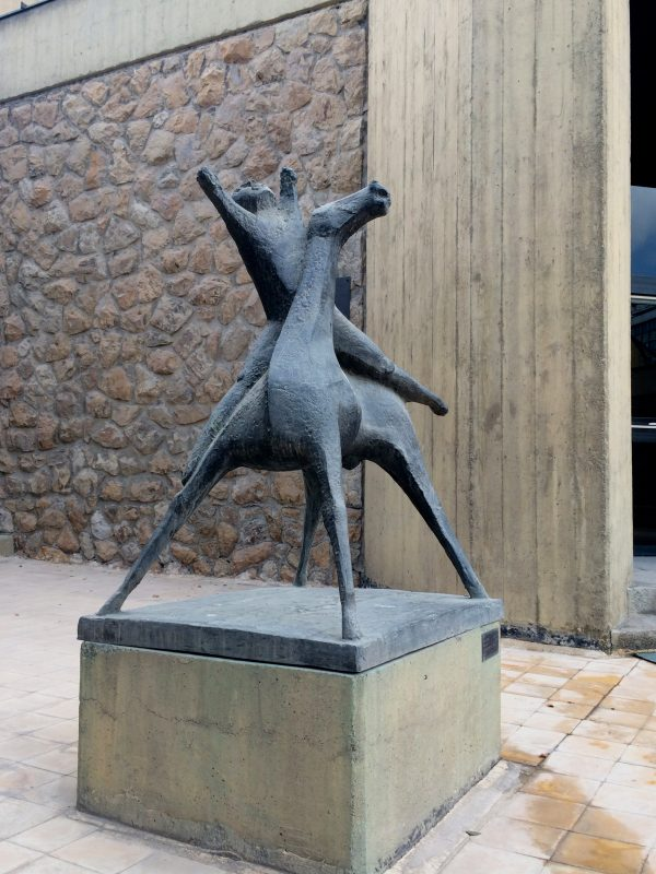 Reiterfigur von Marino Marini im TMOCA Skulpturenhof. Foto © Welz 10/2016